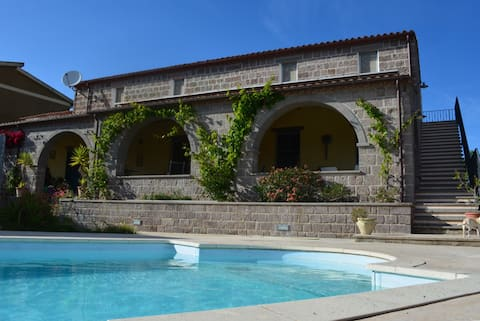 Sard Paradise pension met zwembad