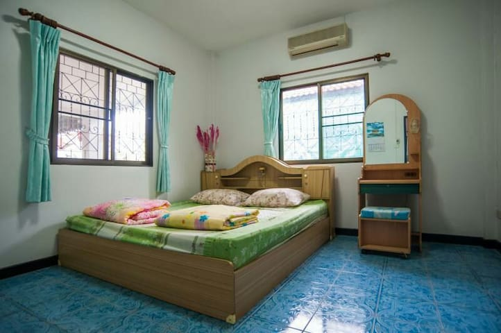 Good place, clean, quiet, kitchen, - Thesaban Nakhon Chiang Mai - House