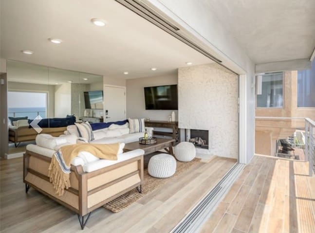 Sweeping Ocean Views, Prime Location, The Strand