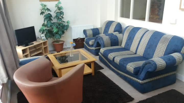 2 Bedroom Apartment Situated In Prime Location