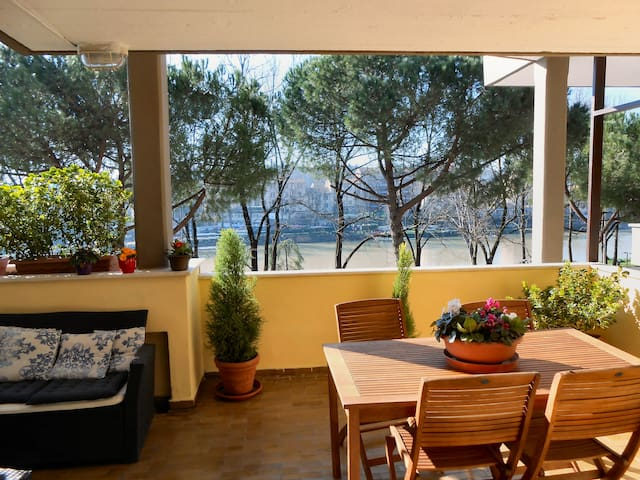 Terrace amazing river view 3bd 3ba central flats for for 22 river terrace rockrose