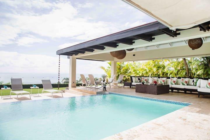 Luxury Océan View Villa | Puerto Bahia-Samana