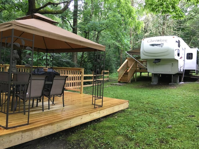 Campsite with 37 ft Trailer 2 decks and 13+ acres