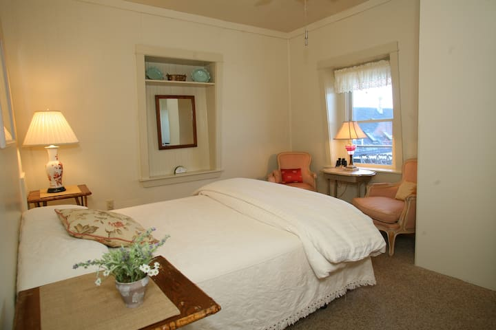 Inn on the Harbor Roseway - Stonington - Bed & Breakfast