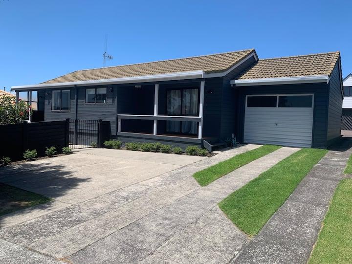 Fully refurbished 3 bedroom home - Mount Maunganui