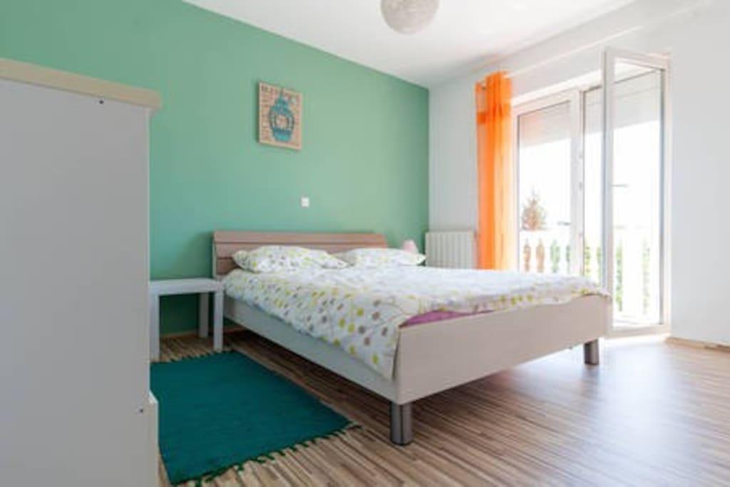 1st badroom