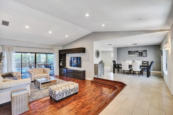 Beautiful pool home with hot tub + private office
