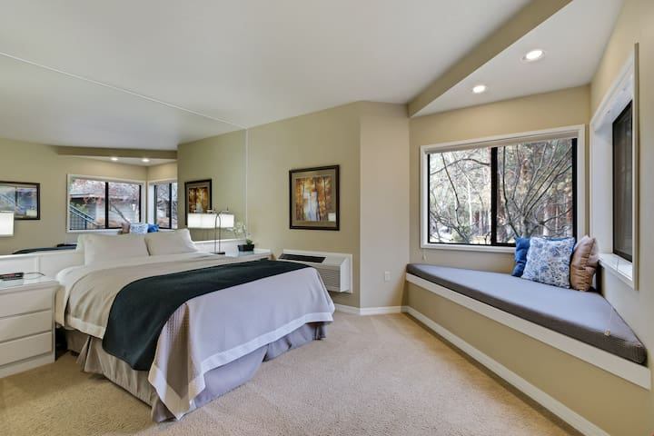 River Ridge 322B - Private, hotel style suite in Bend with access to fitness center.