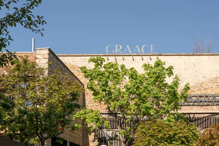 GRAACE Boutique Hotel