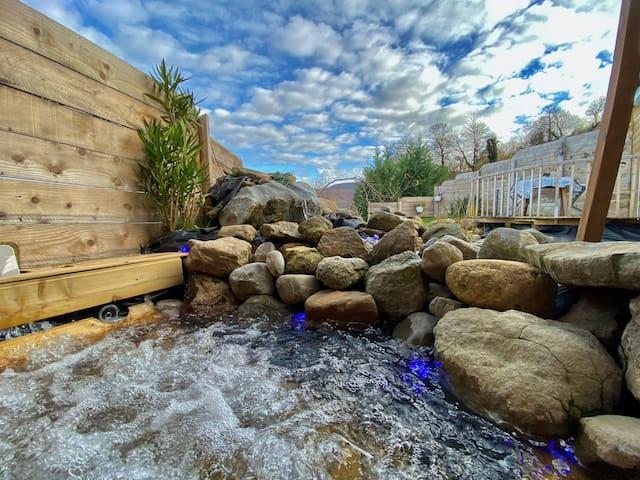 Villa Shangri La with Private  Hot tub and Sauna