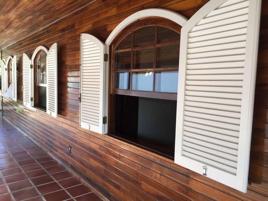 Vista das janelas dos quartos