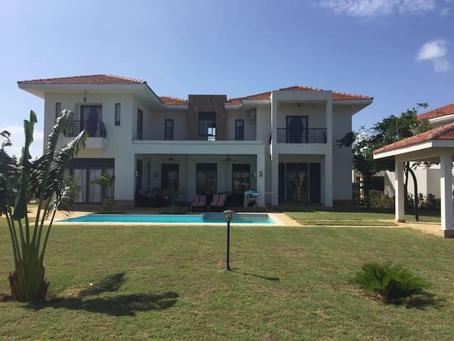 Massive Luxury Villa On Kilifi Creek Beach