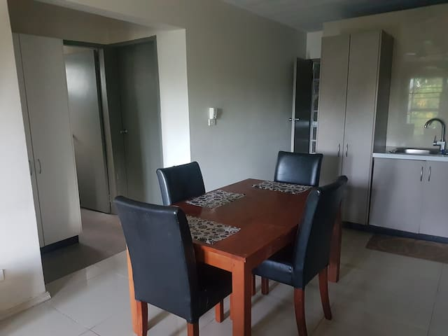 Executive pad 1 bedroom modern and convenient
