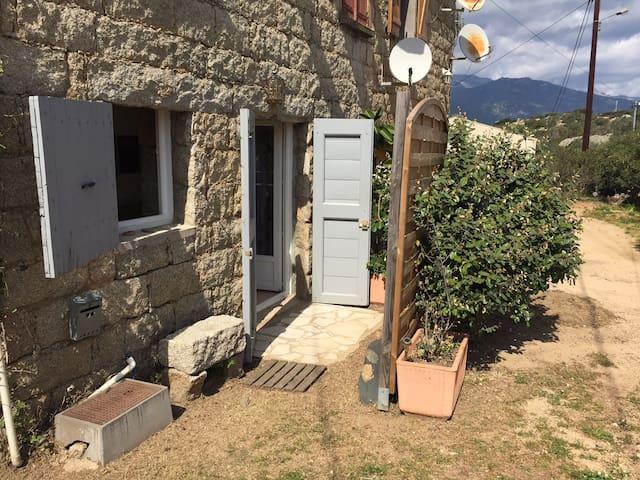 Appartement 3 pers au milieu du village - Pianottoli-Caldarello - Apartamento