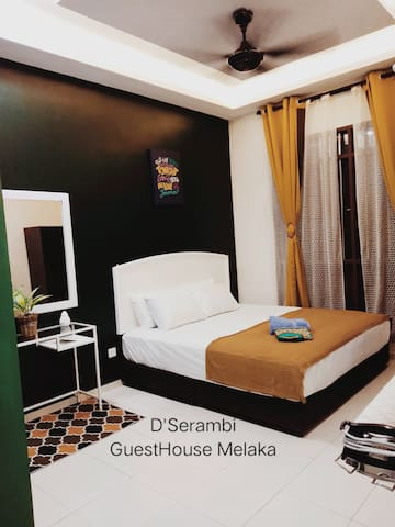 Master Bedroom (King Bed Size) With Air-conditioning