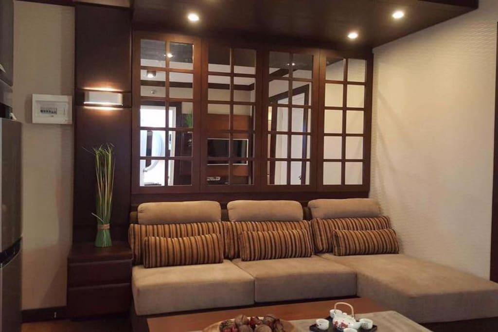 Bldg.2  unit2222 Living Room