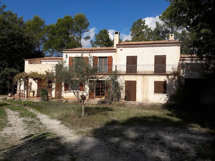 Villa provençale de 130M² av piscine 10x5 sur 1 Ha