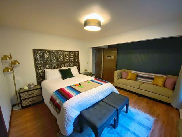 Bedroom #3 (Mt Baker). Queen bed, adjacent bathroom