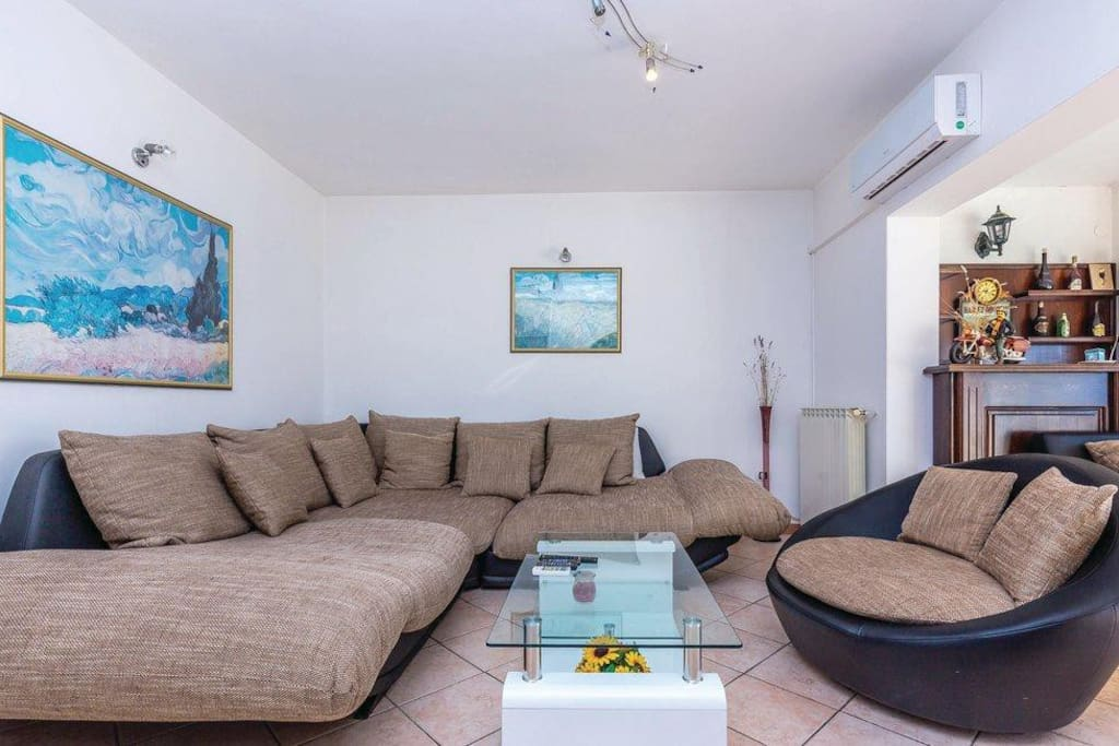 Living room, Surface: 40 m²