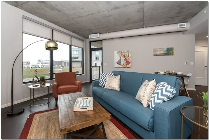 Charming Getaway Central to Downtown
