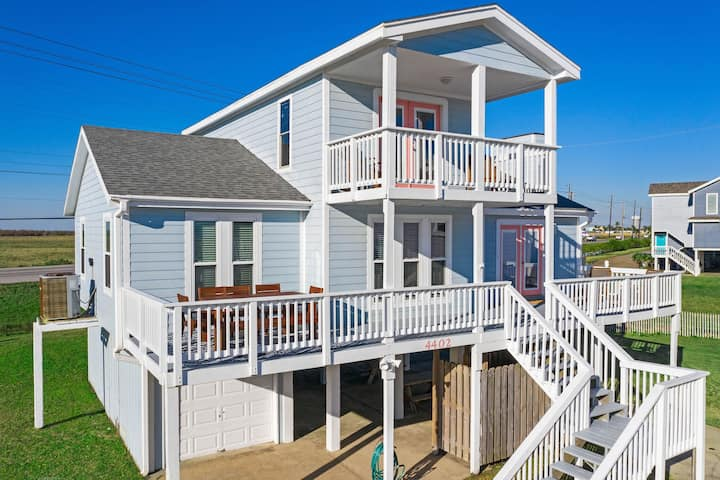 50 Steps from the Beach | Ocean Views | Sleeps 16