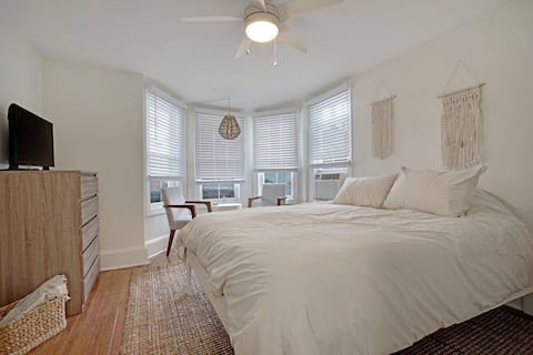 The Melrose, 1A- Private Bed & Bath