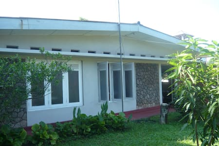 Lovely Detached Bungalow  with AC - Wattala - 一軒家