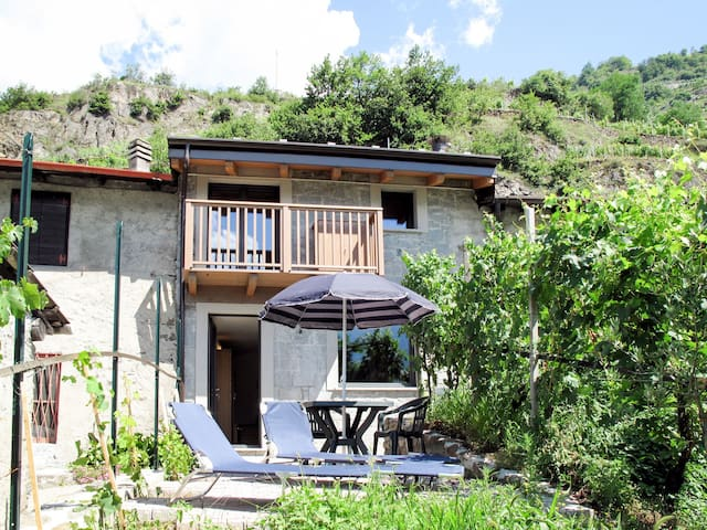 Lovely holiday cottage Grigioni with beautiful views
