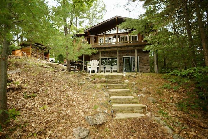 Rylott's Retreat On Coon Lake