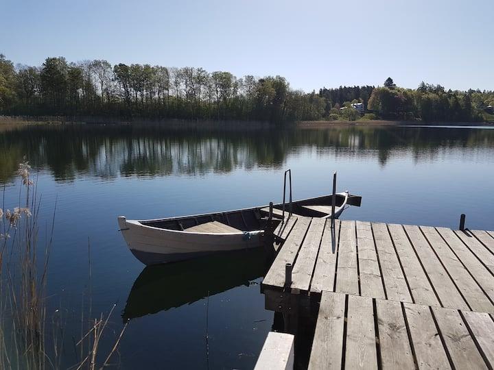 Fina höstdagar vid Billingen med tillgång till båt
