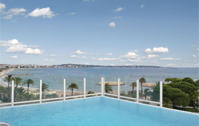 Holiday apartment with 1 bedroom on 60m² in Golfe-Juan