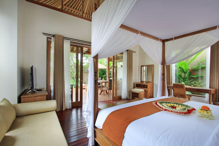 GrahaSandat Luxurious Private Pool Vila UbudCenter