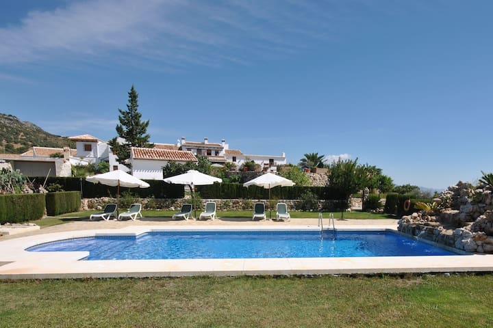 Apartment in ancient farm located in beautiful mountainous scenery in Periana