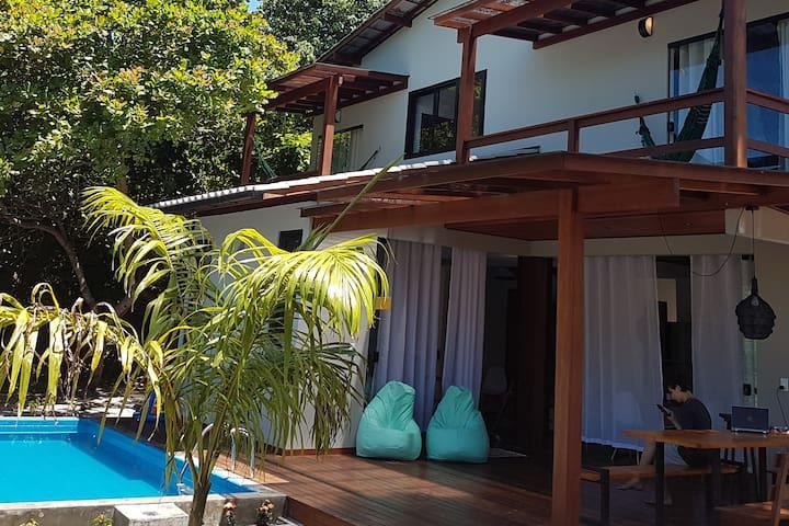 A Casa da Capelinha , Gamboa do Morro