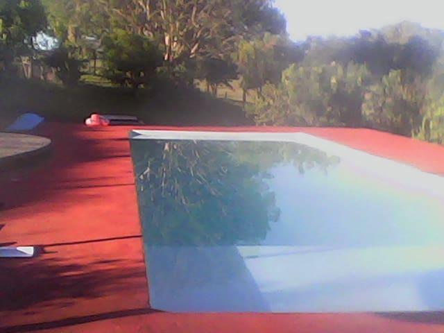 casa inteira na repreza com piscinas e wi fi sitio
