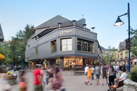 Private POD (Single) in centre of Whistler Village