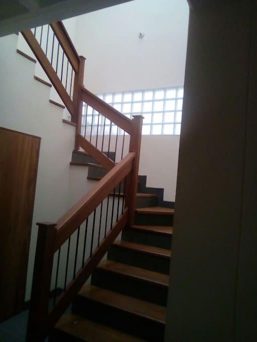 Escaleras para el segundo piso