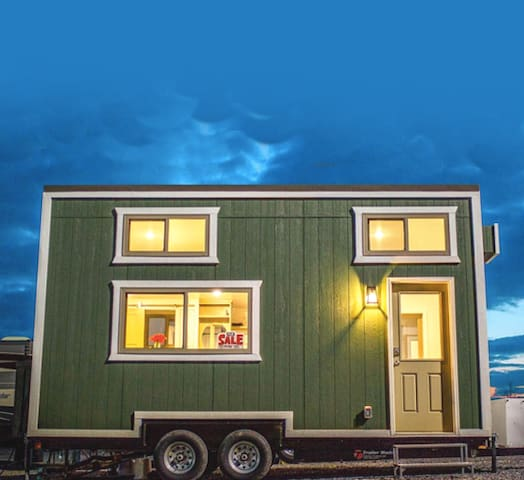 Raccoon Lake Tiny Home - with Boat Ramp!!!