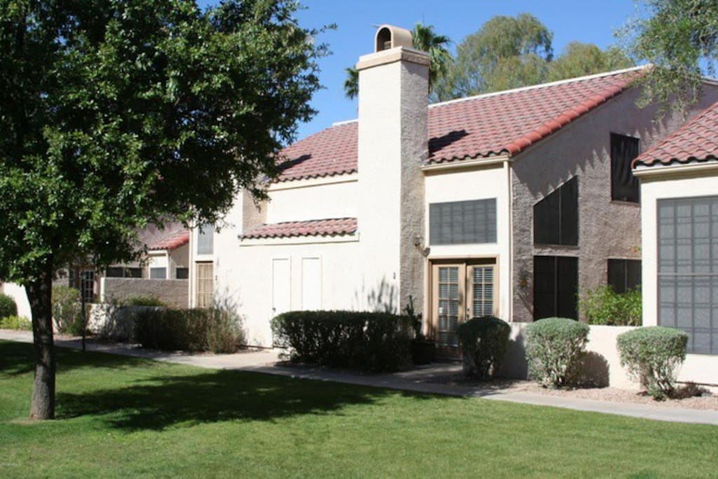Newly remodeled home perfect location townhouses for for Indoor pool mesa az