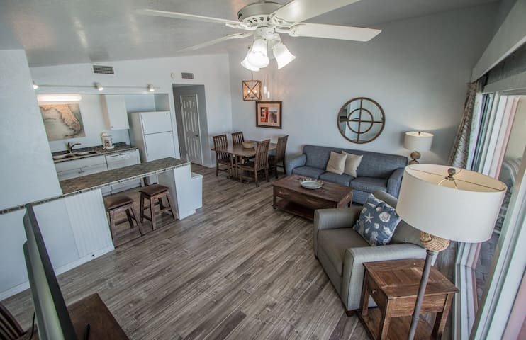 Oceanfront! 2 Br - Stunning View! Heated Pool! 4 *NSB