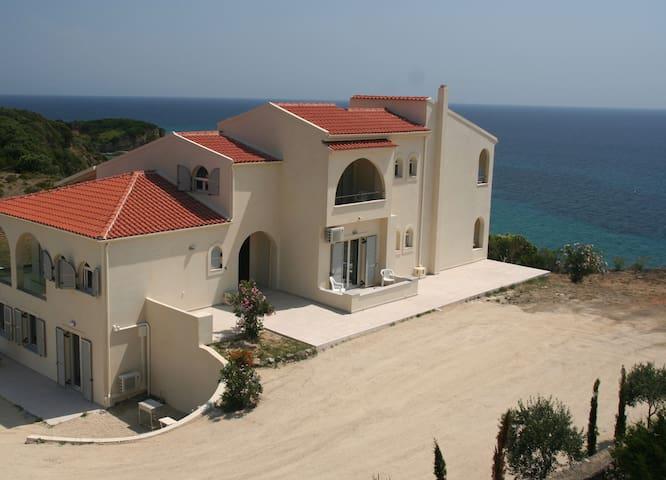 Villa VICI - Agios Mattheos - Villa