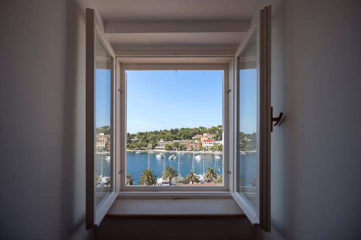 Luxury home of 120m2 Hvar old town