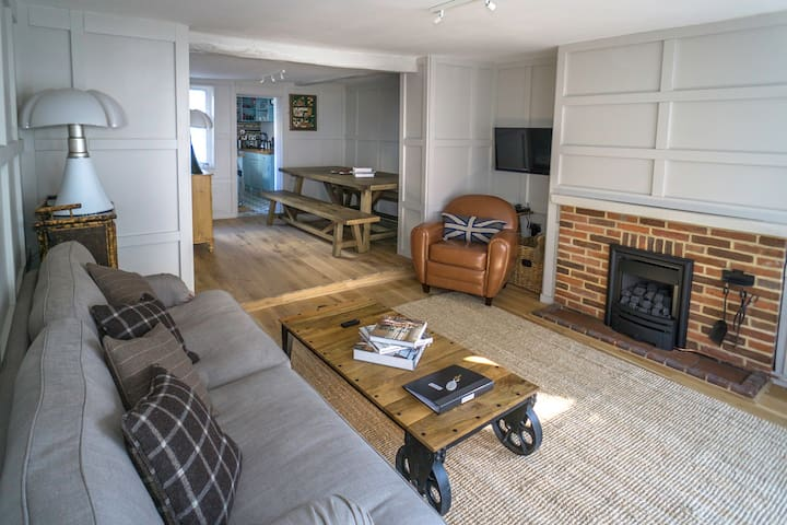 The perfect New Forest / coastal base. Sleeps 10. - Lymington - Ház