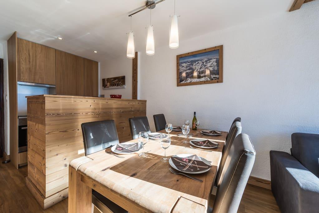 salle à manger et cuisine