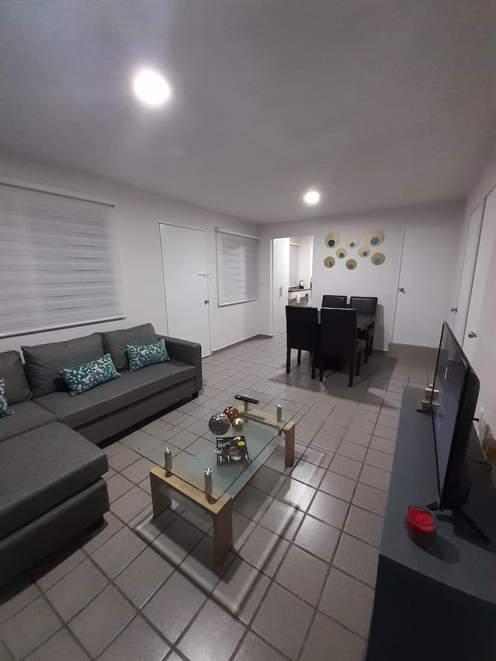 Apartamento cómodo cerca del parque metropolitano.