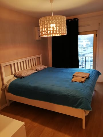 Amazing and spacious double room in Entrecampos