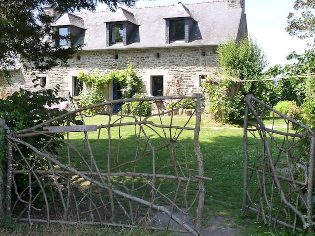 B&B private suite, Brittany country and seaside