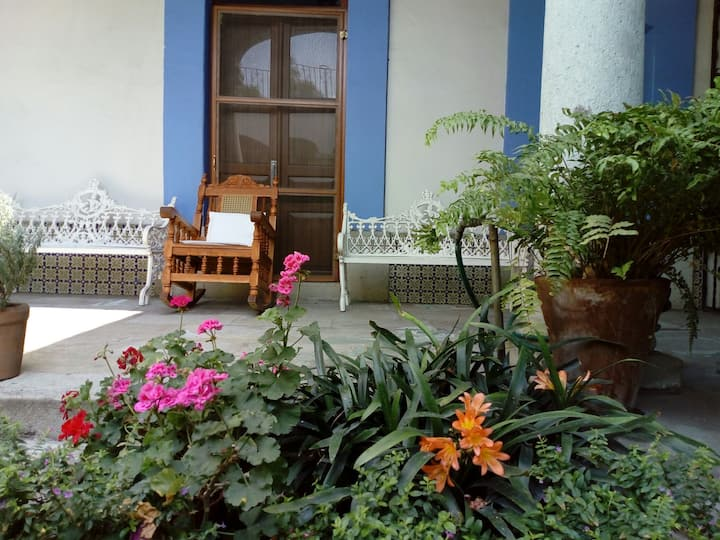 10% OFF/ Colonial House-Santo Domingo Church