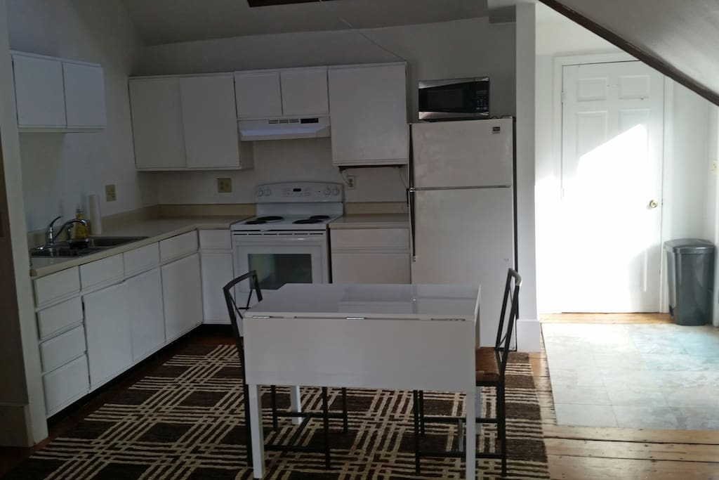 Light Spacious Apartment In Portsmouth Apartments For Rent In Portsmouth New Hampshire