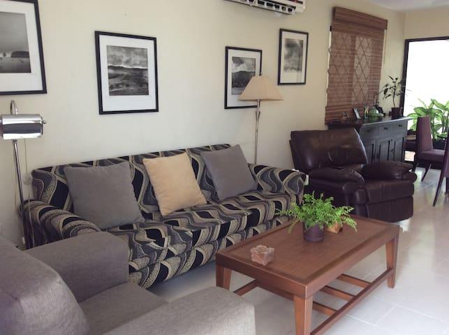 Impecable casa cómoda dos recamaras - Мерида - Дом
